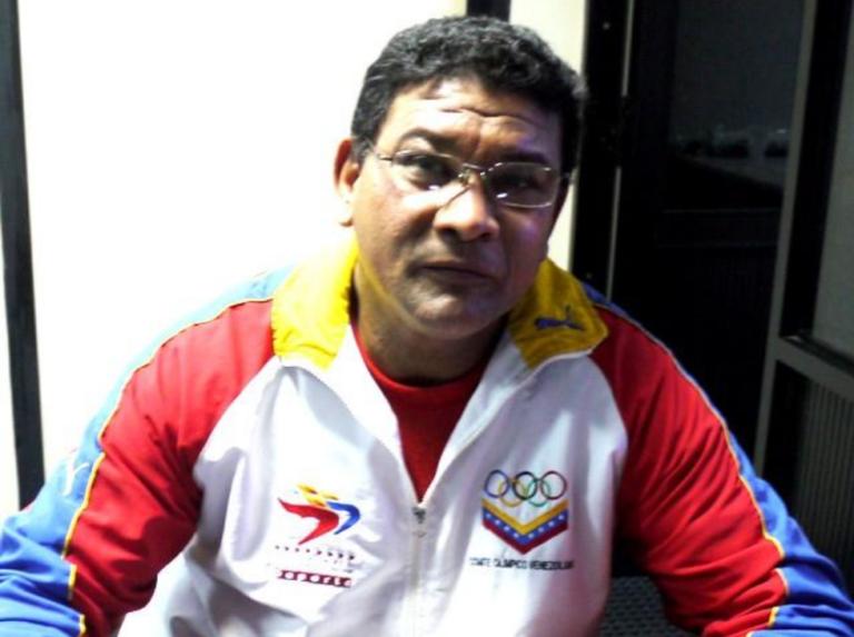 Antonio Esparragoza es el director de FUMIDES