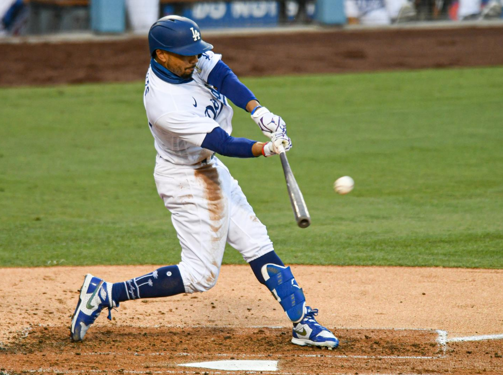 Betts equaled record and Dodgers split series with Padres