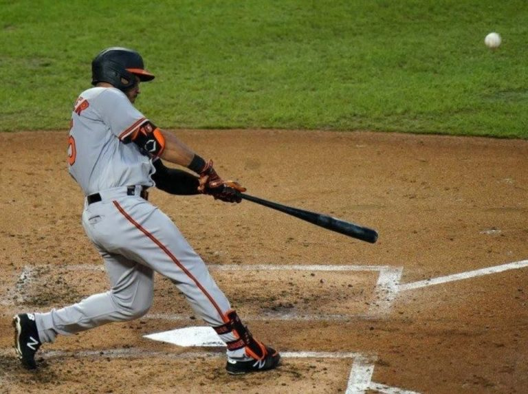 Santander drove three in a landslide victory for the Orioles