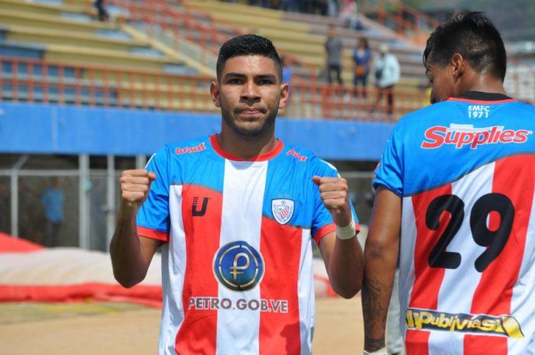 Estudiantes volvió a triunfar por Copa Libertadores después de 21 años