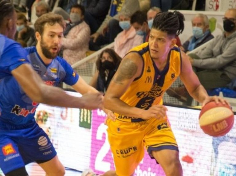 Jhornan Zamora arrancó explosivo su temporada en Francia