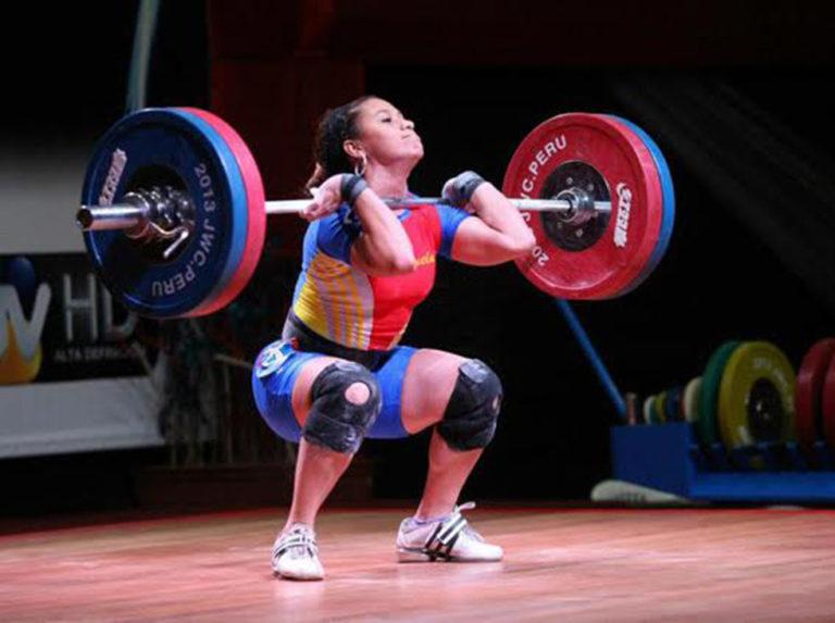 Venezuelan weightlifters fight in South American online