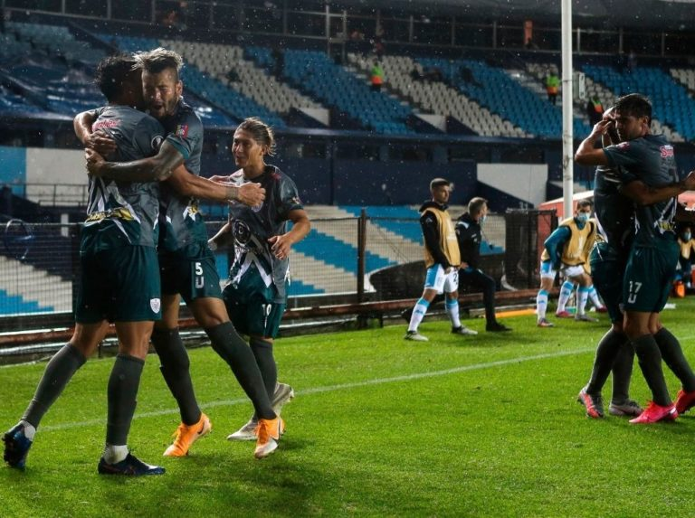 Estudiantes fell to Racing but advanced to the Copa Sudamericana