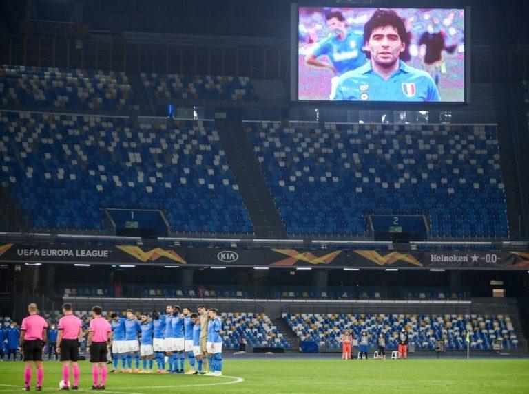 Jugadores del Nápoles vistieron la '10' en honor a Maradona