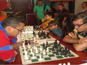 Sembrar ajedrez | Abatantuono lidera equipo criollo